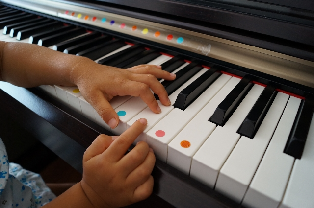 play-the-piano